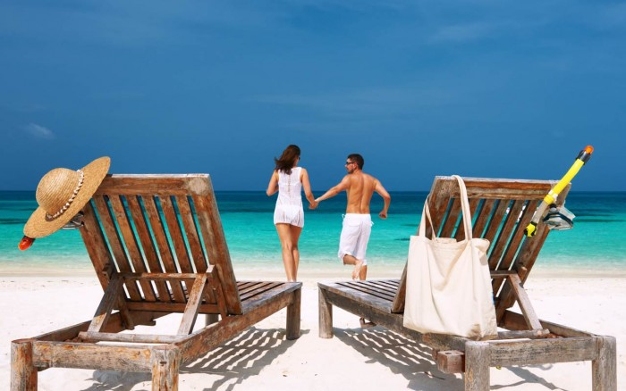 honeymoon-travel-tips-beach
